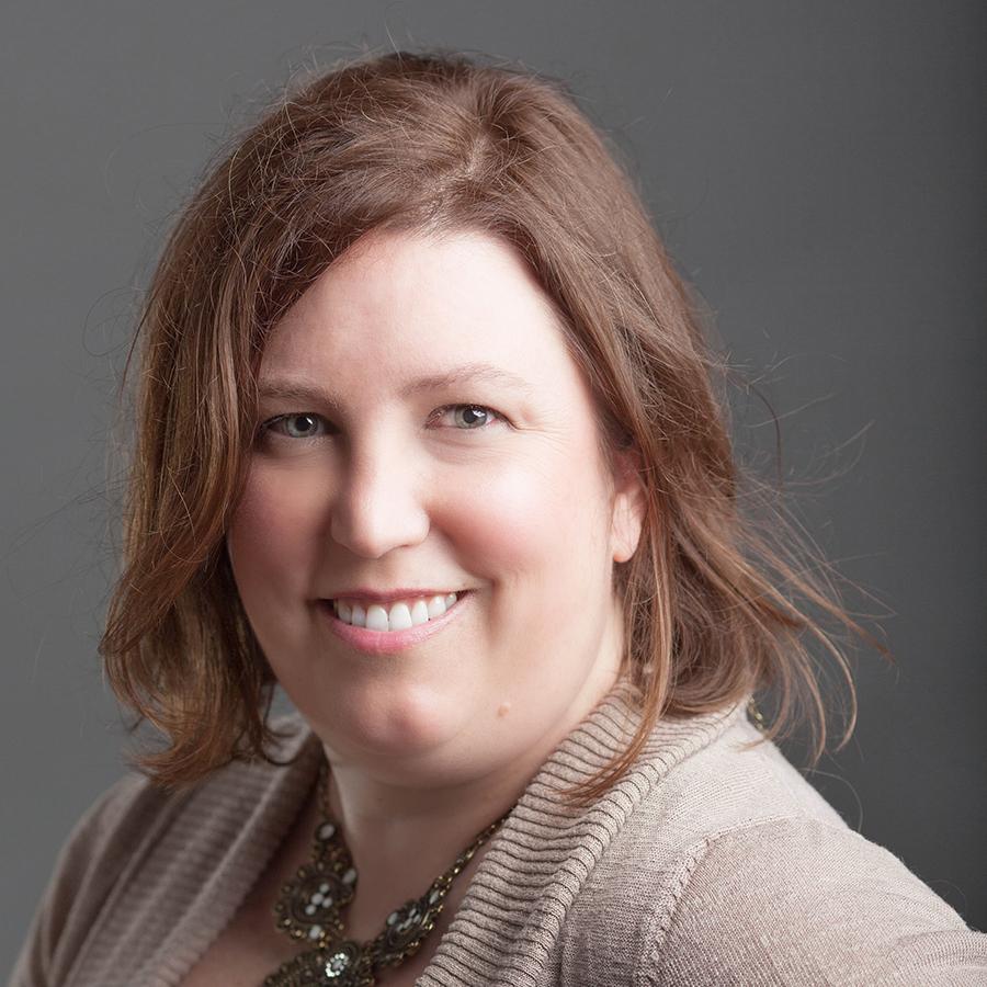 Laura Woollett Headshot